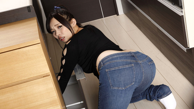 Caribbeancom 081318-727 Miu Yuuki deca pai cooked without permission in the kitchen