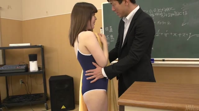 The student teacher of her student play