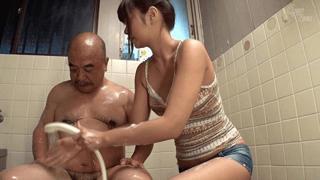 Glory Quest GVG-102 Hikaru Kono Her niece bathe his weak old man