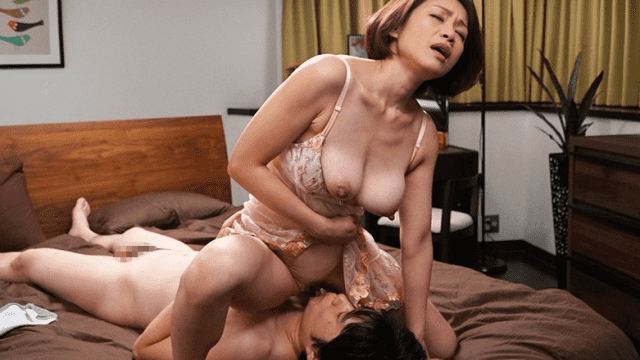 Madonna JUY-473 A center elderly And Male  woman Drowning Affair starting From the rest room wet Closed Room Yuki Momota