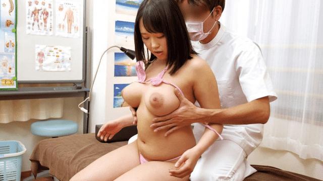 KMProduce UMSO-185 Solving The Problem Of Stiff Shoulder Peculiar To Girls  What Massage Shop Breasts Mimonoguriku Treatment VOL.04