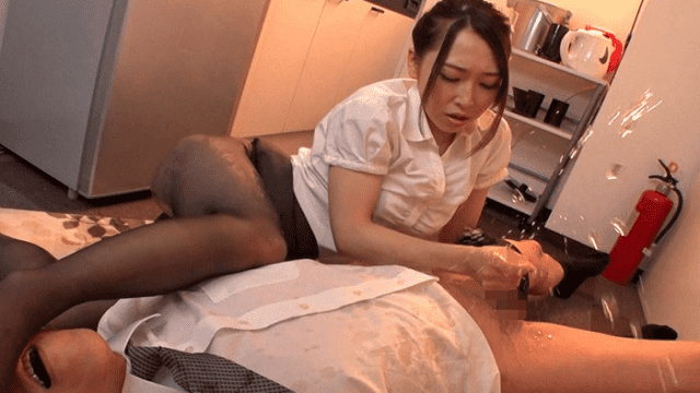 Fitch JUFD-949 Kanako Kase Fierce Woman On Top Posture From A Throwing Piston In A Fierce Female Boss Kase Kanako