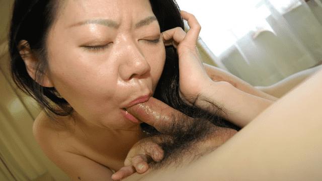C0930 ki180828 Naomi Wakui 40 years old